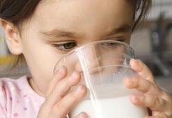 Çocuklara süt içirmeyin iddialarına uzmanlarından yanıt