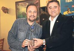 Milliyet muhabiri Karakaş'a 'mavi' ödül