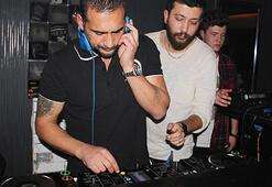 Yeşil sahalardan DJ kabinine: Ümit Karan