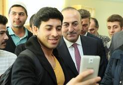 Çavuşoğlu'ndan Hala Sultan Koleji'ne ziyaret