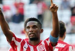 Antalyasporda Etoo attığı gollerle takımını sırtlıyor