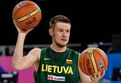 Muratbey Uşaka Litvanyalı oyun kurucu