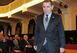G.Saray Başkanı Dursun Özbek toplantıyı terk etti