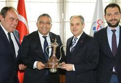 TFF Başkanı Demirören, 2 ve 3. Lig Kulüp başkanları ile Bakan Kılıçı ziyaret etti