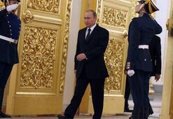 Putin neden kovboy gibi yürüyor