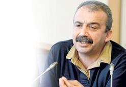HDP'li Önder: Kaçağa takıldıysa Rize çayı ikram ederiz