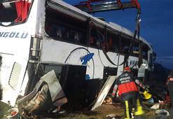 Vanda yolcu otobüsü devrildi