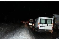 Balıkesir-Bursa Karayolu'nda ulaşım güçlükle sağlanıyor