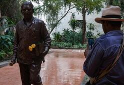 Kübaya Marquez heykeli