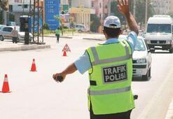 Yeni düzenleme ile 3 bin trafik polisi sokağa iniyor