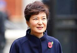 Yolsuzluk davası sonucunda Güney Kore Devlet Başkanı görevden alındı