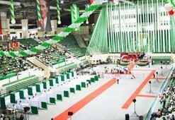 Bursaspor Olağanüstü Genel Kurulu 45 dakikalık gecikme ile başladı
