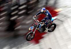 Şampiyon olursan motosikletini al gel