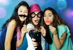 Molped, genç kızları Twitter'da yakaladı