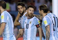 Arjantinin Şiliyi yendiği maçta Trabzonsporlu Maas sakatlandı