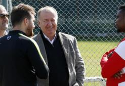 Etoo takımını Eskişehir maçına hazırlıyor