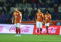 Galatasarayda deprem Farklı yenilgiden sonra...