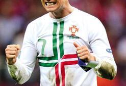 Ronaldo tek başına Çekleri eledi, Portekiz yarı finalde