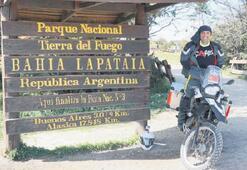 Vücut diliyle dünyayı  dolaşan motosikletli