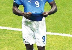 Finalin adı İtalya-İspanya Büyüksün Balotelli İki golle Almanya'yı çökertti