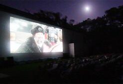 İlk gösterim yazlık sinemada
