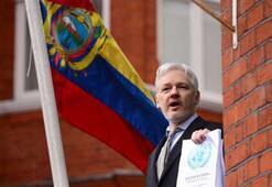 Ekvador, Julian Assangea vatandaşlık verdi