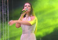 Elif Buse Doğan sahnede bayıldı
