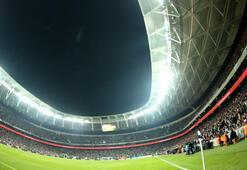 Vodafone Arenada 14 ilk birden