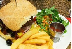 Ev yapımı hamburger menüsü