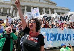 ABDde halk ayaklandı 500 kişi gözaltına alındı