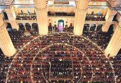 Bayram Namazı'nda camiler doldu taştı