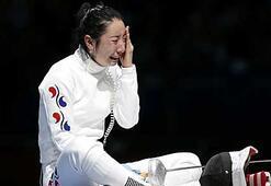 Koreli sporcunun gözyaşları sel oldu