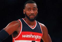Wall, Wizards ile sözleşme yeniledi