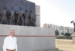 Karabağlar, Madımak  anısına anıt dikti
