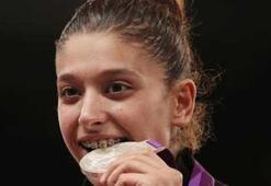 Nur Tatar gümüş madalya kazandı