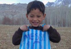 Poşetten Messi forması yapan Murtaza kaçtı