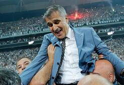 Besiktas coach visits honorary chairman's grave after winning championship