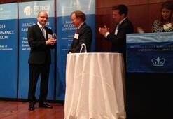 Kurumsal Yönetişimin Yükselen Yıldızı Ödülü Barış Dinçer'in