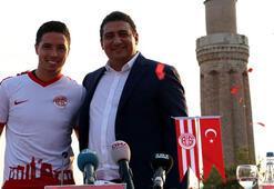 Antalyasporda Samir Nasri için coşkulu imza töreni
