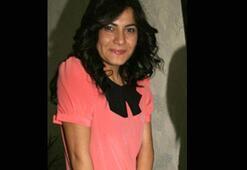Kadın avukat bürosunda bıçaklandı