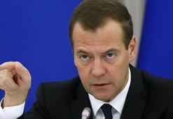 Medvedevden Rusları şoke eden açıklama: Paramız yok