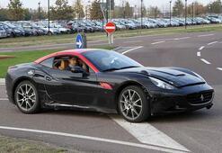 Ferrari California casuslar tarafından yakalandı