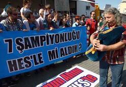 Trabzonsporlu taraftarlardan HES eylemi