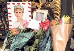 Hayranları Diana'yı sergisinde andı