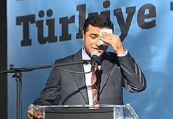 Akit muhabiri Demirtaşa Türk bayrağını sordu