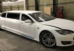 Limuzine dönüştürülen Tesla Model S açık artırmaya çıktı