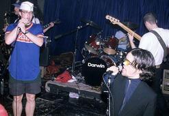 Peter Dinklage eski bir punk şarkıcısı çıktı
