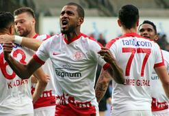 Antalyasporda yeni transferlerin adı hüsran oldu