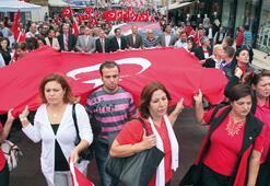 10. Yıl Marşı ile  Ata'ya yürüdüler