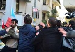 Çin Büyükelçiliği önünde eylemcilerin kavgası